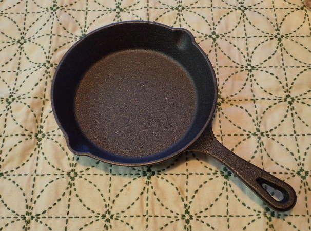 スキレットで今一番人気が、ニトリのスキレット鍋「ニトスキ」だ!